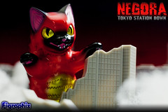 NEGORA TOKYOSTATION DOWN(3/5) (Figraphix) Tags: toy miniature flame tokyostation exclusive   catzilla konatsu sofubi  sofvi  negora   konatsuya