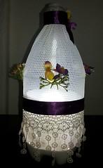 Luminaria renda (Ione logullo(www.brechodeideias.com)) Tags: pet flores sol riodejaneiro rosas garrafa abajur lampada ventilador tecido luminária juta chitão