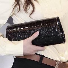 กระเป๋าคลัช กระเป๋าถือ อินเทรนด์ใหม่มีสะพายข้างยาวถอดออกได้สไตล์เก๋ รหัสสินค้า : IS954 ราคา 670 บาท ขนาด: 27*11*5 ซม. วัสดุ : PU สี : ดำ โทรสั่งของกับ พี่โน๊ต/พี่เจี๊ยบ : 083-1797221, 086-3320788, 02-9394933, LINE User ID : lotusnoss, lotusnoss.com เวปไซต