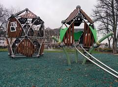 Greenville-Combi Bitburg (LURKOI Especialistas en Equipamiento Comunitario) Tags: bitburg greenville combi doubleboo trii1 banister greenvillecombi hngebrcke hackschnitzel bridge ropebridge woodchips mulch bambus bamboo kspkonradadenauer 114171 100291