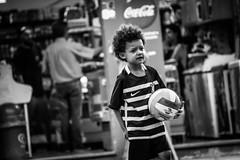 (thalesrenato) Tags: black white preto e branco monochrome monocromtico people movement move soccer football fusball pelada futebol bola ball kid park volleyball vlei sport sports