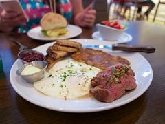 Maplewood Kitchen and Bar (Travis Estell) Tags: breakfast brunch cbd centralbusinessdistrict cincinnati downtown downtowncincinnati ohio steakandeggs