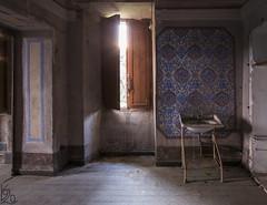 The Morning Cleansing / Rann oista (katka.havlikova) Tags: abandoned villa house castle castello mansion maison lost decay derelict rotten beauty italy itlie oputn vila zmek urbex urban exploration ue canon bathroom koupelna place
