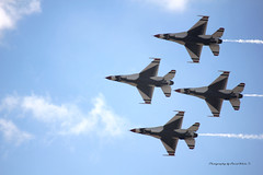 Thunderbirds Diamond (ddwtx64) Tags: airshow alliance fortworth usaf f16 thunderbirds airplane maneuver airforce jets fighters