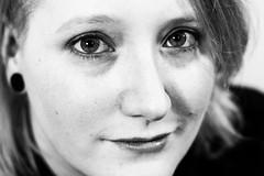 pretty face (kusmirina) Tags: portrait frau gesicht smile natural bigeyes eyes lächeln beautyshot closeup blackandwhite schwarzweis pretty