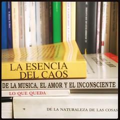 HAIKU DE ESTANTERÍA XLIV (juanluisgx) Tags: leon spain libro book haiku titulo title biblioteca library poema poem poetry poesia estanteria