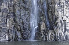 cascade niagara à ste suzanne (grondingilbert) Tags: nature nikon intense landscapes montagne reunionisland reunionnaisdumonde authentique paysage974 sauvage cascade rochevolcanique d3100 35mm extreme ile riviere