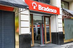Dia de lutas contra transição catastrófica HSBC/Bradesco (bancariosdecuritiba) Tags: bancarios cooperativa evento fetec fotografodeevento fotografodocumental fotosparapensar sindicatodosbancariosdecuritibaeregiao trabalhadores