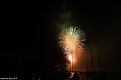feu d'artifice du 14 juillet  Pornic (antoinebouyer) Tags: nuit noir feu couleur