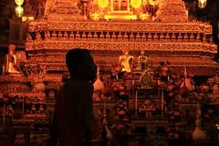 monje budista (jf_sanroman) Tags: thailand bangkok monk tailandia sombra silueta buda monje budismo