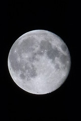 Supermond ber Leipzig (myshmr) Tags: moon night mond nacht leipzig dunkel dunkelheit klar supermond