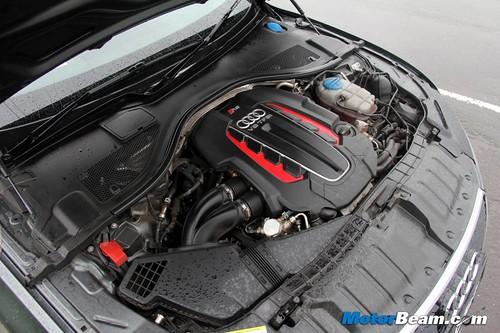 2014-Audi-RS7-13