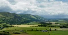 Paisatge (j.c peaguda) Tags: camp planta nikon monumento stirling paisaje escocia cielo campo prado colina montaa williamwallace paisatge hierba airelibre ladera d90 estribacion