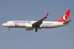 Boeing 737-8F2(WL) (TC-JVD) 11.8.2014f (Mariano Alvaro) Tags: madrid sticker boeing airlines turkish avion 737 estambul