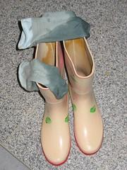wet socks_squelchy wellies (yvonne_2.0) Tags: wet melanie dirty welly wellies rubberboots gummistiefel gumboots nass rainboots laarzen schmutzig squelchy regenstiefel gummistövlar schmatzig