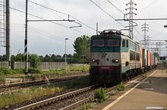 Un navetta sul Rubiera... (Maurizio Zanella) Tags: italia trains railways fs alessandria trenitalia ferrovia treni pontecurone e656553 tc55153