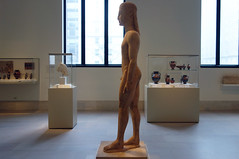 New York Kouros, side view