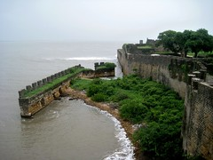Diu Fort, Diu (bodythongs) Tags: sea cidade vijay india green portugal church water wall century town interestingness interesting nikon indian union towers colonial chapel best most fortaleza empire cannon walls arabian daman favourite popular moat operation 16th defensive fortress portuguese colony gujarat golfo territory viewed 1500s diu bastions d5100 bodythongs cambaia