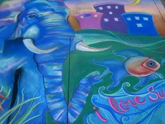 Blue Elephant in the Park at the Pasadena Chalk Festival (Robb Wilson) Tags: park fish pasadena chalkart blueelephant chalkartfestival pasadenachalkartfestival