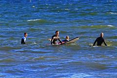 Vntans tider (Quo Vadis2010) Tags: beach sport strand se surf waves sweden lifestyle wave surfing sverige activity westcoast halmstad sandhamn aktivitet halland vgor brda vstkusten vg kattegatt seasport thewestcoast livsstil wavesurf wavesurfing fritidsaktivitet laholmsbukten vgsurfing vgsurf cityofsurfers surfbrda grvik municipalityofhalmstad seahav halmstadkommun sjsport