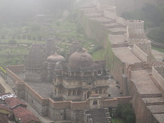 "fort de Kumbalgarh <a style=""margin-left:10px; font-size:0.8em;"" href=""http://www.flickr.com/photos/83080376@N03/15233997982/"" target=""_blank"">@flickr</a>"