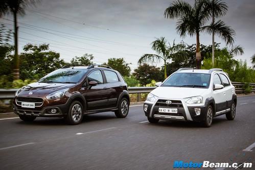 Hyundai-i20-Active-vs-Fiat-Avventura-vs-Toyota-Etios-Cross-04