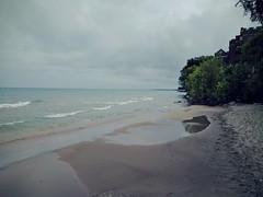 Shoreline (ancientlives) Tags: chicago illinois usa travel lakemichigan lakeshore lakeshorecampus beach waves nature landscape september 2016 autumn friday