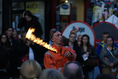 Street Performer, Edinburgh Festival Fringe (Secondcity) Tags: edinburgh edinburghfestivalfringe streetperformer royalmile highstreet