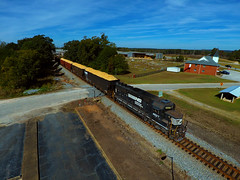 A Southern Philosophy (jsibley15) Tags: emd locomotive local alabama railroad spartancab gp59 smalltown norfolksouthern ns railroadcrossing v12