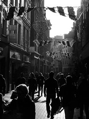 Carrer Amsterdam (Lamevagaleria) Tags: blackwhite bw blancoynegro blackandwhite monocromtico amsterdam netherlands eindhoven canales river travel viaje viatge reportajedeviaje silhouettes calle holidays holiday olympus e30