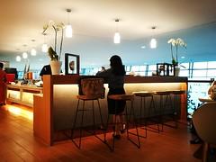 Bar counter (A. Wee) Tags: terminal3 印尼 indonesia soekarnohatta airport 机场 garudaindonesia lounge