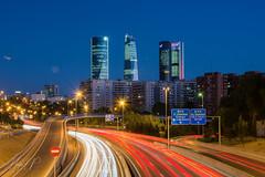Cuatro torres (Hecson89) Tags: luces largaexposicion urbano