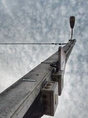 Lampadaire au beton (sander_sloots) Tags: lampadaire beton elektriciteitsmast paal poteau concrete overhead wires wandarm bracket schrder mc12 armatuur comatelec lanterne lantern luminaire straatverlichting lige