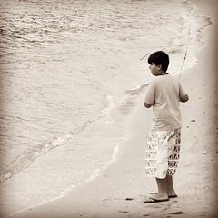 Pescador (cacoshs) Tags: guri piá moleque pescador florianópolis floripa itaguaçu santa catarina brasil brazil mar praia beach fisherman fish playa plage