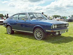 213 Audi 100 Coupe S (C1) (1976) (robertknight16) Tags: audi germany 1970s c1 coupe vag luton ryr53r