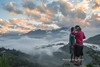 Y9916.1116.Hầu Thào.Sapa.Lào Cai (hoanglongphoto) Tags: asia asian vietnam northvietnam northwestvietnam dailylife people life girl girls hmongpeople hmonggirl two twogirls afternoon sunset sky cloud clouds outdoor mountain dale canon canoneos1dx tâybắc làocai sapa hầuthào conngười cuộcsống ngoàitrời buổichiều hoànghôn bầutrời mây núi thunglũng đờithường thiếunữ thiếunữhmông congáihmông hai haithiếunữ haicôgái