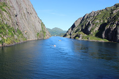 Looking Back in the Trollfjord, Norway (3) (Phil Masters) Tags: 21stjuly july2016 norwayholiday norway raftsund raftsundet thetrollfjord trollfjorden trollfjord