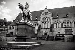 Friedrich Barbarossa (patrick.schrimpf) Tags: goslar kaiserpfalz schwarzweis kaiser sehenswrdigkeit harz