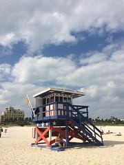 Strandhaus (maltehempel_de) Tags: usa amerika florida miami beach baywatch dlrg rettungsstaffel wassre schwimmen