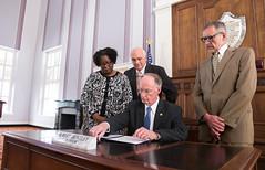 12-15-16 Governor Bentley signs Executive Order 27 on Opiod Misuse