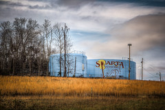 Water tank for Sparta, TN (donnieking1811) Tags: tennessee sparta watertank blue sky clouds tanks goldengrass outdoors canon 60d hdrnoholdsbarred
