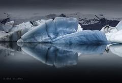 Iceland  /  Merry Christmas (Joseba Grajales) Tags: islandia iceland jökursárlón hielo ice agua water iceberg landscape paisaje reflejos reflection montaña mountain azul blue nikon nikond750 merrychristmas feliz navidad