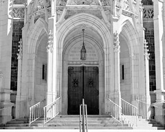 Entrance - First Church of the Covenant - Erie PA (Randy Stankey) Tags: usa pa erie churchofthecovenant paabstractarchitecturefilmblack whitefujineopanxtolt whitefujineopanxtoltraditionalchurcharchwayentrancestone