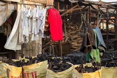 Laundry & Charcoal (AdamCohn) Tags: smoke philippines laundry charcoal pollution manila smoky coal sacks manufacturing smokeymountain tondo ulingan adamcohn wwwadamcohncom charcoalmanufacture informalindustry ulinganslums
