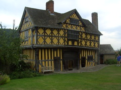 The Gatehouse (Davydutchy) Tags: uk house castle century march shropshire arms timber rally july style ludlow register annual truk manor craven 17th tatra fachwerk gatehouse stokesay fortified 2014 colombages halftimber timberframe vakwerk stokesaycastle 1641 vakwerkhuis ironbridge2014