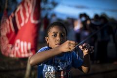 _BRU9876 (Bruno Santos FOTOGRAFIA) Tags: brazil brasil children child homeless sem paulo so pipa brincadeira teto mtst criaa selecionar copadopovo