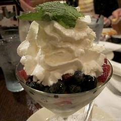 Berries and Cream (Coyoty) Tags: red food green dessert restaurant berries sweet cream almond strawberries ct whippedcream sugar raspberries blueberries rockyhill anglaise woodntap