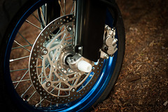 Suzuki DRZ 400SM - Front wheel (Tri Nguyen | P h o t o g r a p h y) Tags: nikon engine motorcycle suzuki drz400sm 400cc d700 supermotor fix50