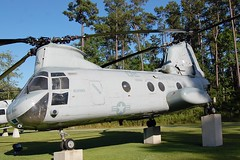 CH-46E Sea Knight, U.S. Marine Corps (153402), North Carolina, Marine Corps Air Station New River (EC Leatherberry) Tags: aircraft military northcarolina helicopter usmarinecorps ch46seaknight staticdisplay onslowcounty transporthelicopter marinecorpsairstationnewriver