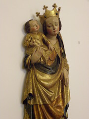 Madonna and Child, around 1400, detail (DeBeer) Tags: sculpture art statue madonna gothic gilded middleages 14thcentury woodcarving madonnaandchild woodenstatue woodensculpture gilding mediaval 15thcentury 1400 polychromy 1390s 1400s gothicart polychromed gothicsculpture polishart polishsculpture 14thcenturysculpture beautifulstyle 14thcenturyart 15thcenturyart 15thcenturysculpture madonnawithchid